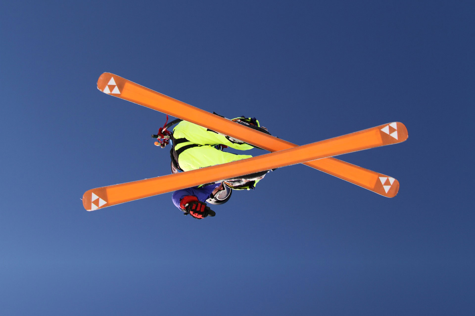 Jak se starat o hrany lyží